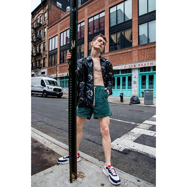 Excited for the long weekend 🕶☀️ Model: @arberlala  Wardrobe stylist @dylway  Hair by @tomoaki_sato . . . . . . . . . #fashionshoot #editorialshoot #fashioneditorial #newyorkcity #fashionmagazine #fashionnyc #malemodel #malefashion #springfashion #lifestyle #summerstyle #newyorkphotographer #nycphotographer #mmscenemagazine #mmscene #malefashionmazine #streetstyle  #menportraits #testshoot #springstyle #lifestyleshoot #edgy #summervibes #malefashionscene #moda #portrait #waynewardrobevintage #summernyc #modelsdot #forevermagazine