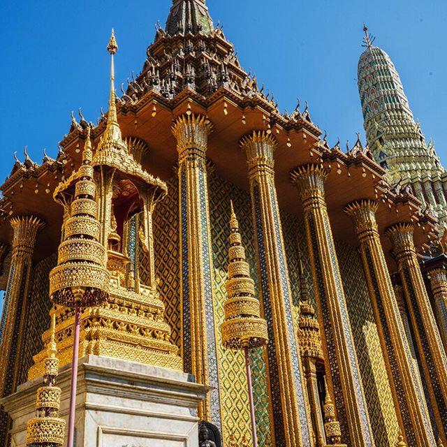Here's to more traveling in 2019! 🎉 ✈️ #newyeartravel #travel #adventure #wanderlust #vacation #travelgram #explore #holiday #travels #traveler #traveller #traveling #travelling #travelphotography #travelingram #travelblog #travelblogger #traveladdict #exploretocreate #passionpassport #tourism #mytravelgram #instapassport #bangkok #bangkokthailand #bangkok🇹🇭 #bangkokstuff #bangkoktourism