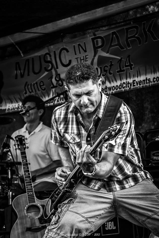 Who's ready for some Rock and Roll with a touch of soul!? Local favorites Jokers and Thieves are back in our pub to get you dancing! Their last show in our pub was a hit, come see what the fuss is all about!