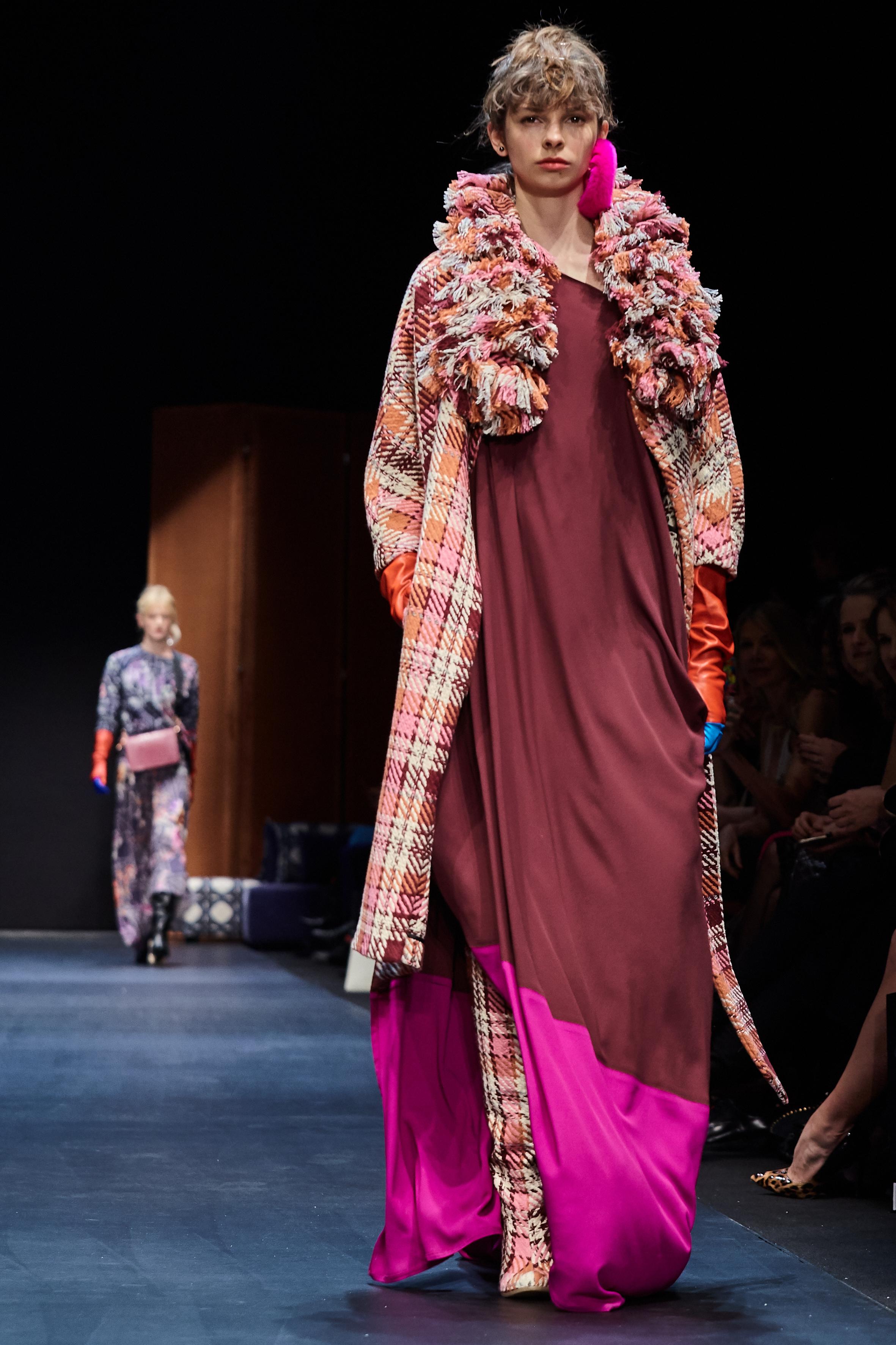 Looks_DawidTomaszewski_FashionWeekAW2018-19_HeidiRondak 5.jpg
