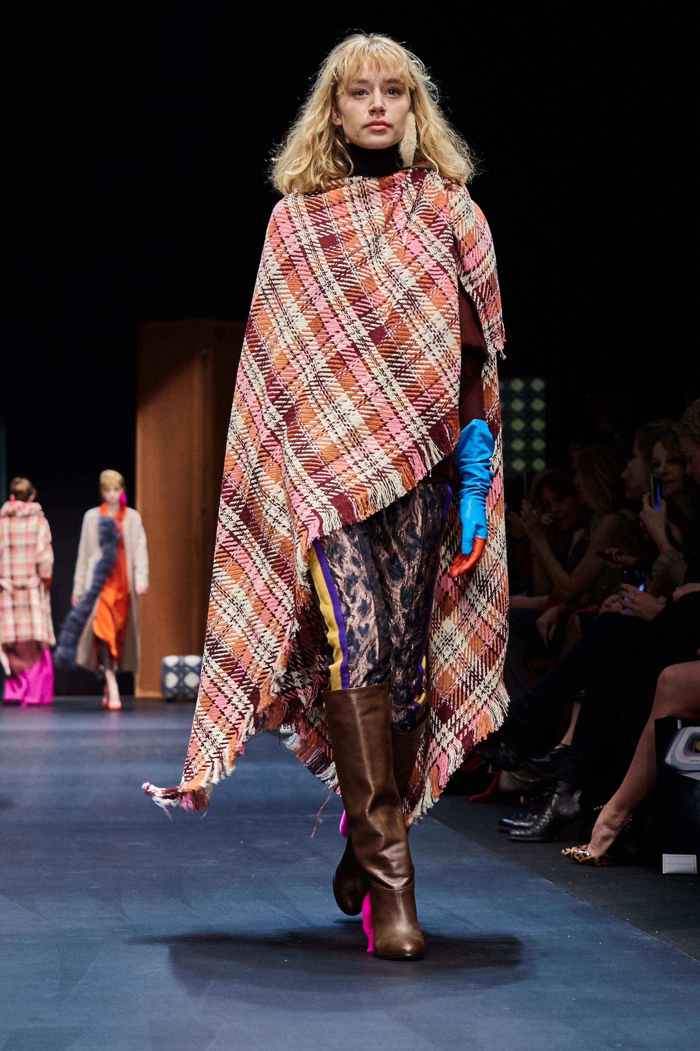 Looks_DawidTomaszewski_FashionWeekAW2018-19_HeidiRondak 24.jpg