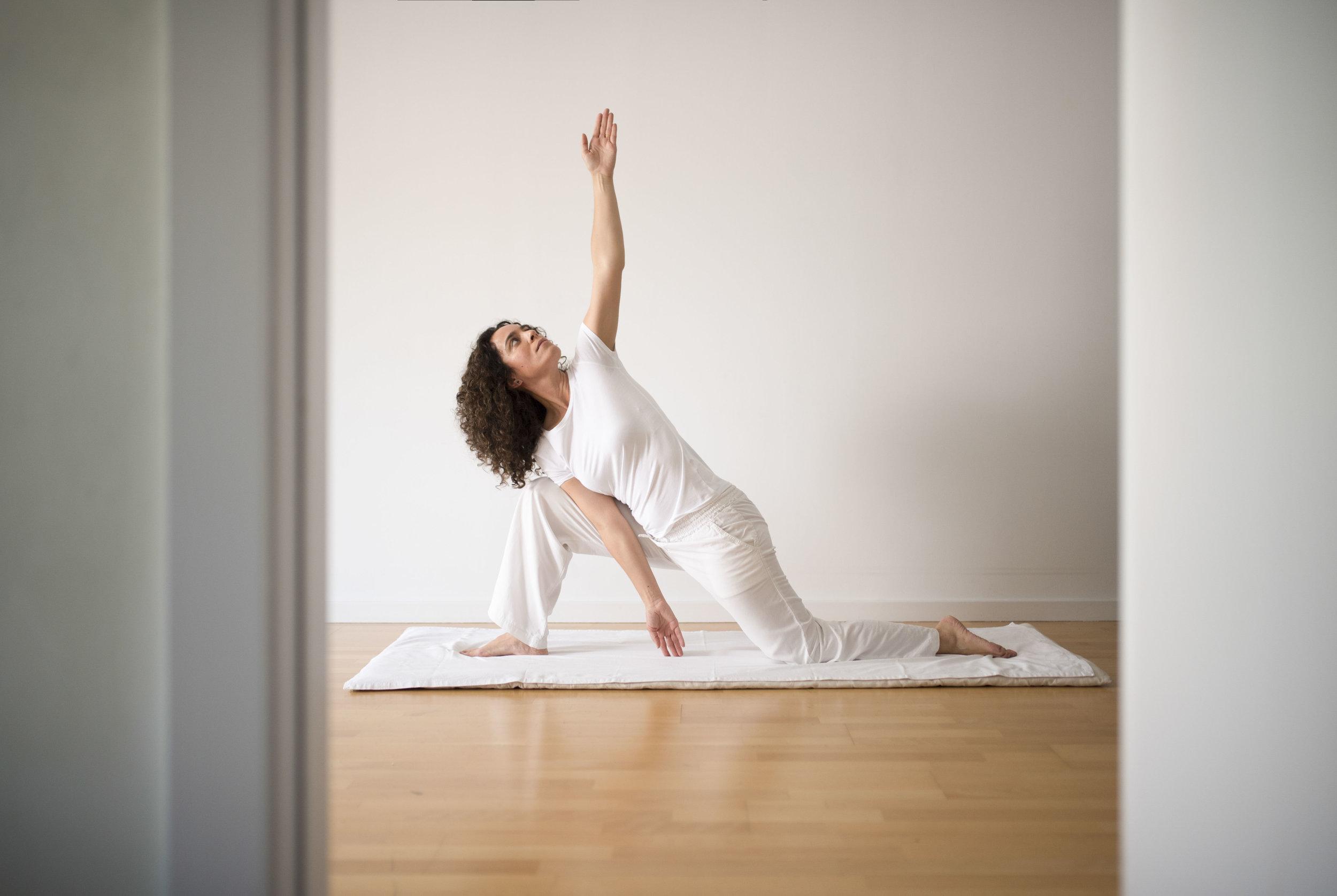 Nuria-Chalamanch_yoga_2018-06-01_gilbertbages_01.JPG
