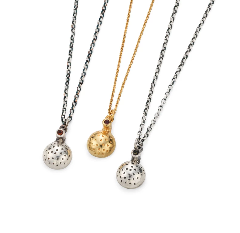 Orb necklaces.png