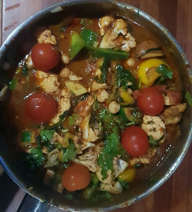 Making a pot of vegetable curry with paneer cheese to eat during the week, and some to freeze for later.  Delicious!  #curry #vegetarian #delicious #cushennutrition #wakefield #Yorkshire #dietitian #vegetariancurry #plantbased