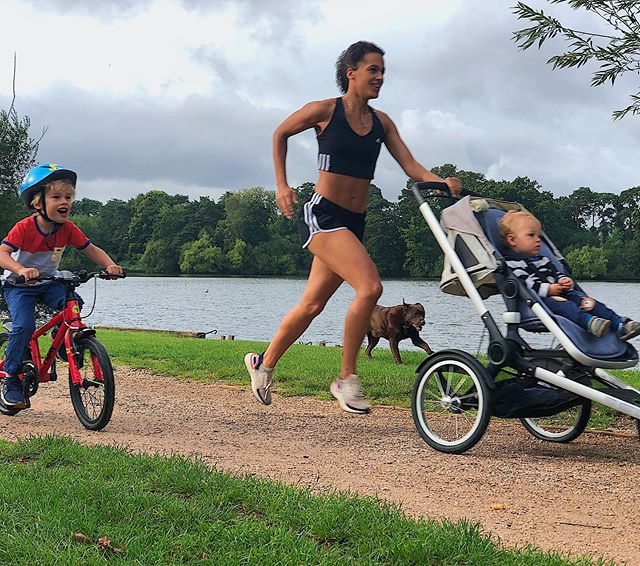 Want to get back to running postnatally❓My bew column for @baby_mag_insta tells you how and is now live (link in bio for today). All about how to hit the road running post-pregnancy 👟💦 - The most Frequently asked questions I hear are; 1️⃣ How soon can I get started? 2️⃣ Should I lift weights as well? 3️⃣ Can I run if I'm breastfeeding? - This article answers them all and if you have any more, post below and I'll clarify where I can! - Running as a mum has so many benefits. If you're thinking of getting started let me highly recommend it. It doesn't have to be fast and it doesn't need to be long but the physical and mental boost is amazing! 🙌🏾 - #stronglikemum