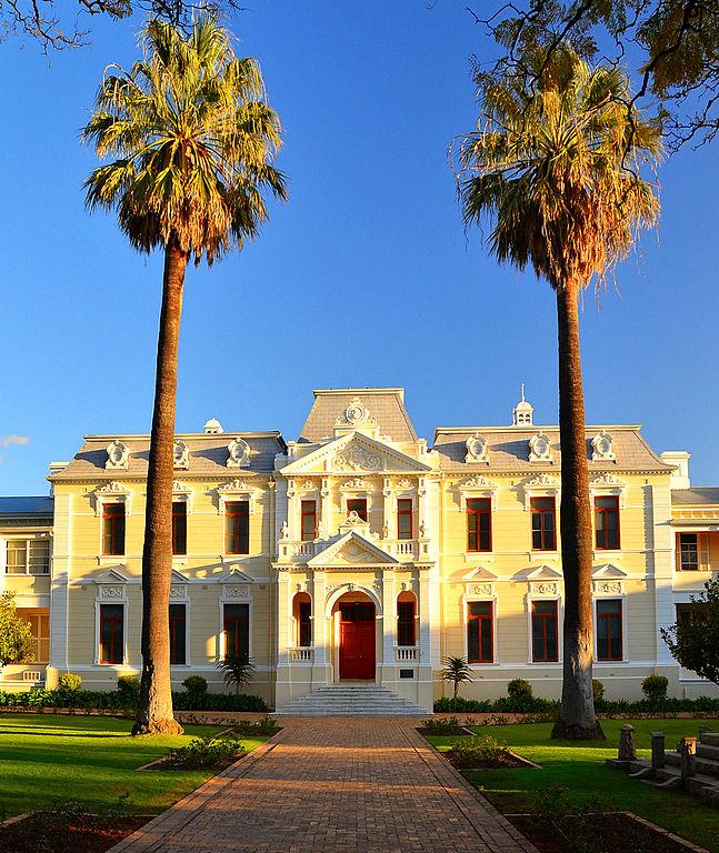 647px-Theological_Seminary,_171_Dorp_Street,_Stellenbosch.jpg