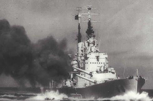 HMS Vanguard fires a broadside. (© Imperial War Museum FL20870)