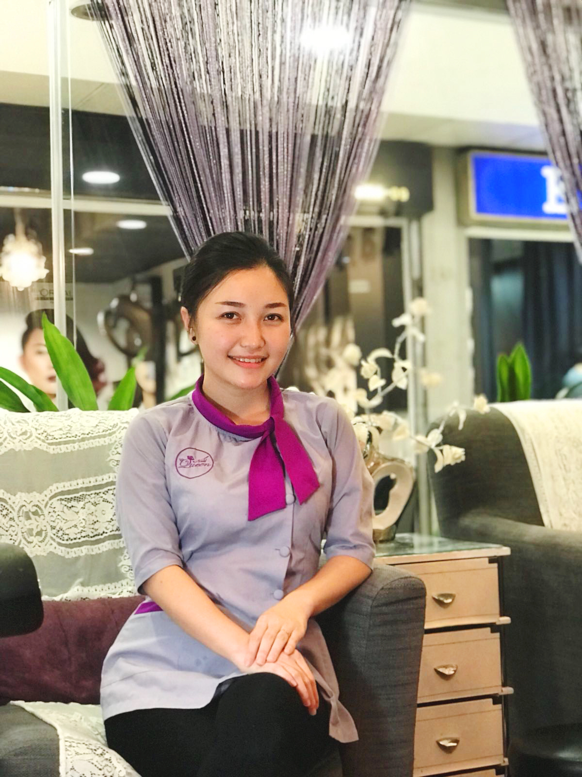 Bee - Bee is also a new member of the Nail Queen Family since June 2018. She is gentle and quick with her tools, making sure that she provides a thorough cleansing and a squeaky clean set of nails.Bee speaks Vietnamese and Mandarin.