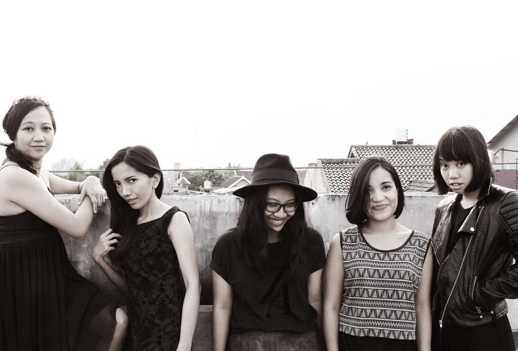 Members of XXLab.