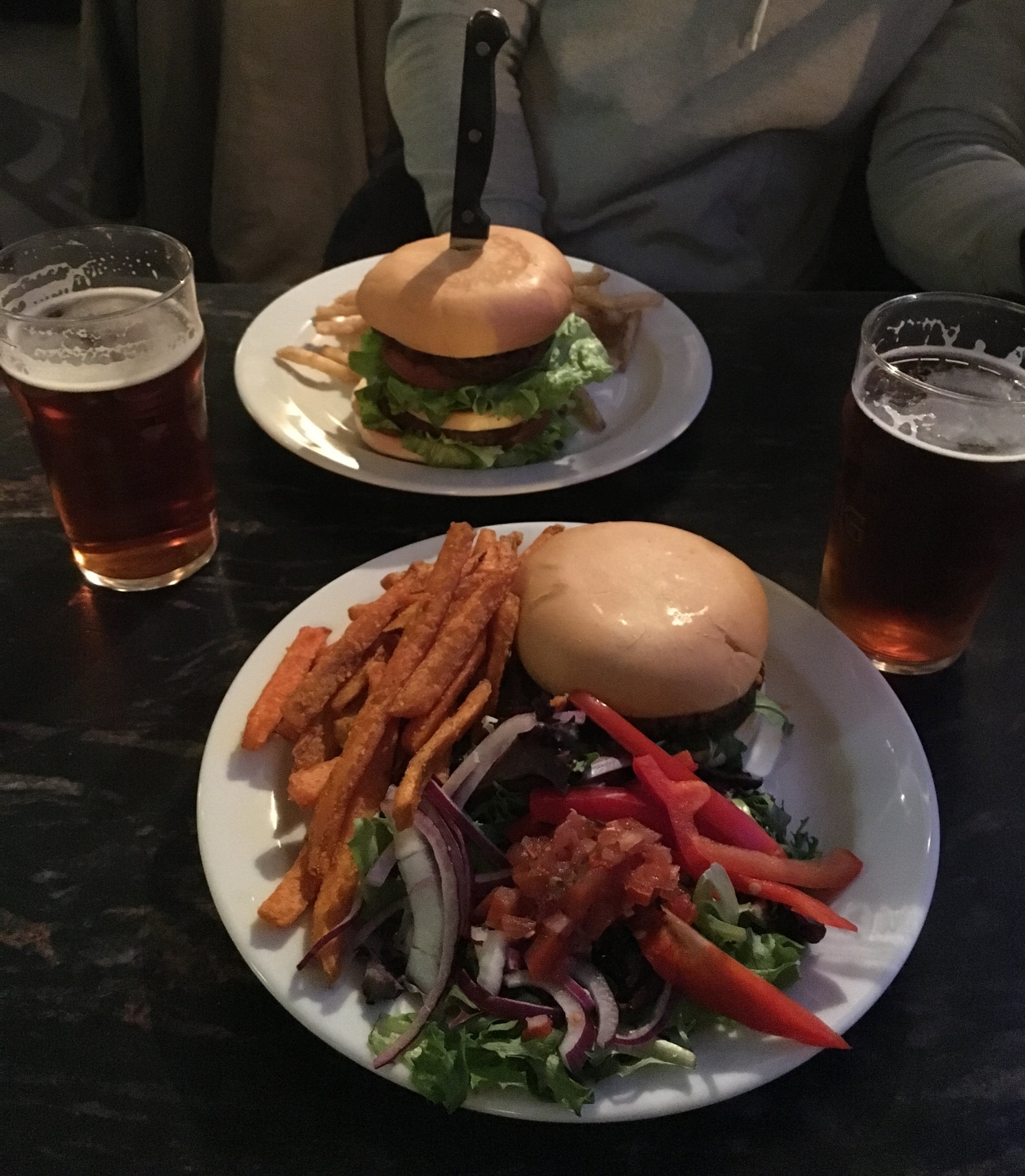 At Prikio you can listen to hip-hop, drink beer and indulge in the spicy vegan burgers - just say yes.