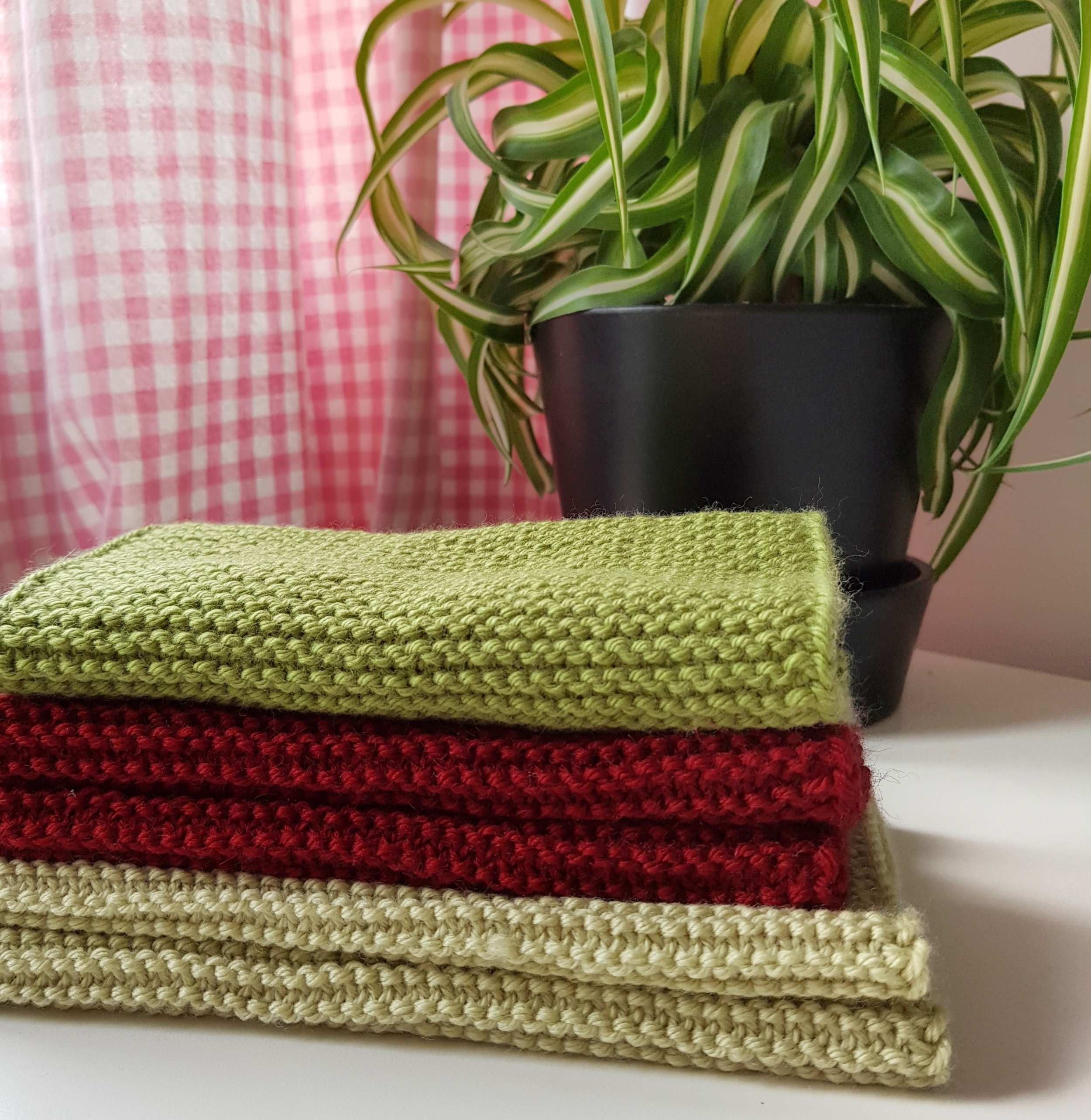 Here are some knits for my Knit Your First Accessories online knitting course.