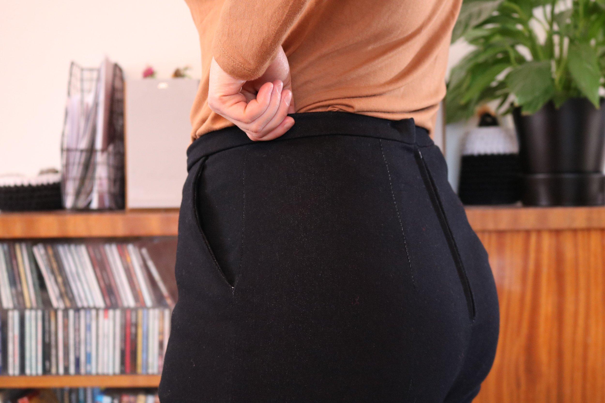 knitlish _ sew_gertie jeans back3.jpg