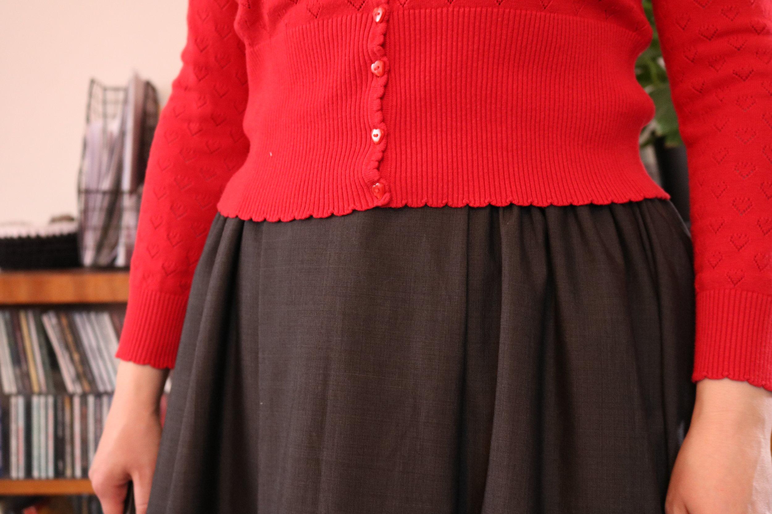 knitlish & sew blog rosie skirt front pleat.JPG