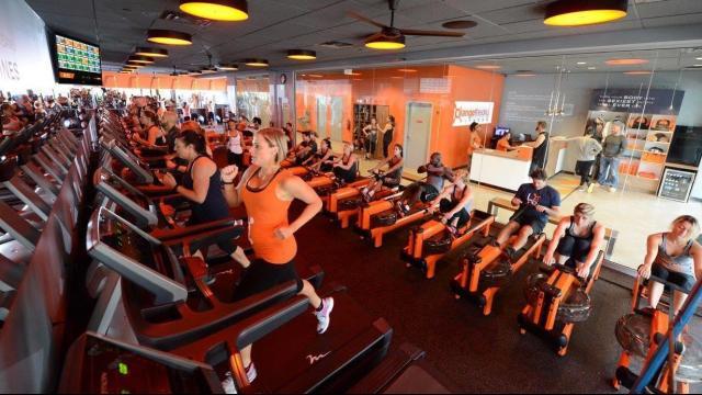 Orangetheory_Fitness_inside_studio_approved-DMID1-5ftiyg8cf-640x360.jpg