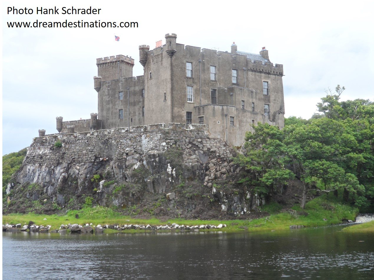 Dunvegan Castle on the Lough.jpg