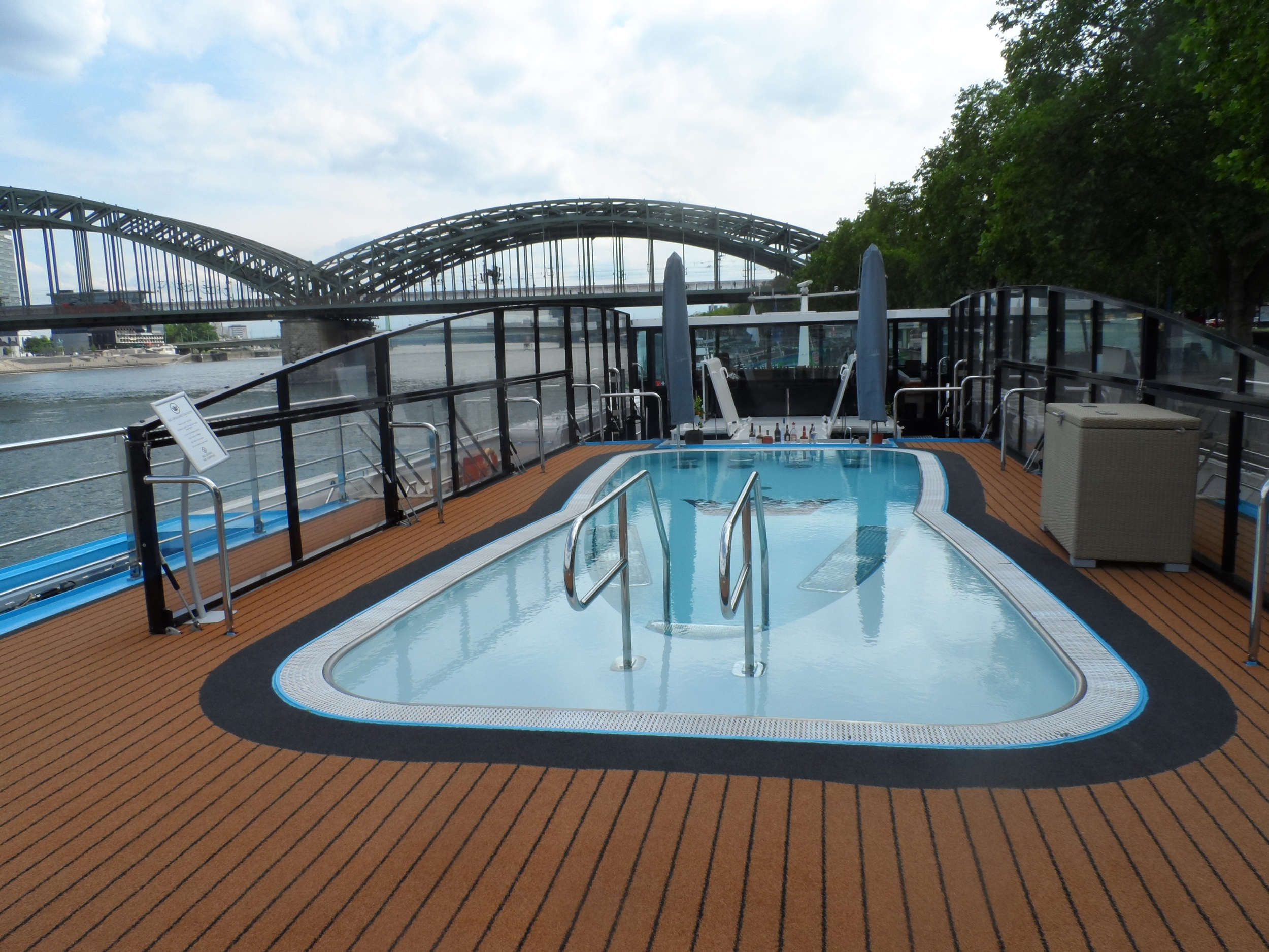 AmaSerena Pool top Deck in Cologne