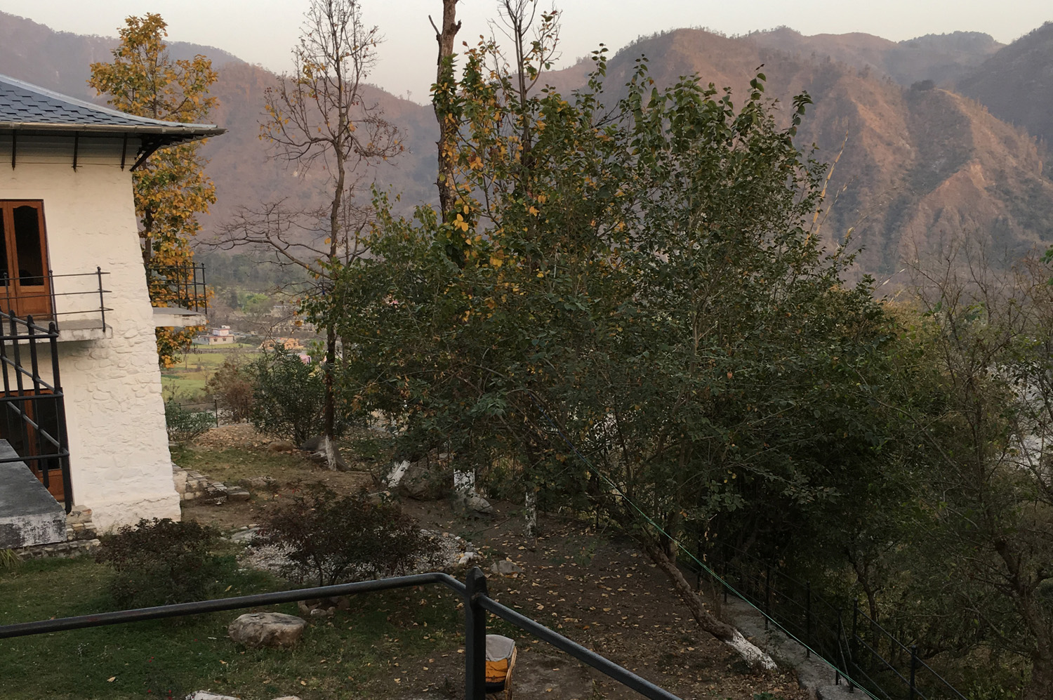 Stay At The Tarab Ling Retreat Centre