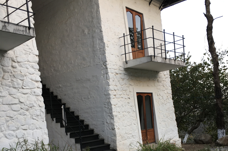 Stunning Tibetan Style Architecture
