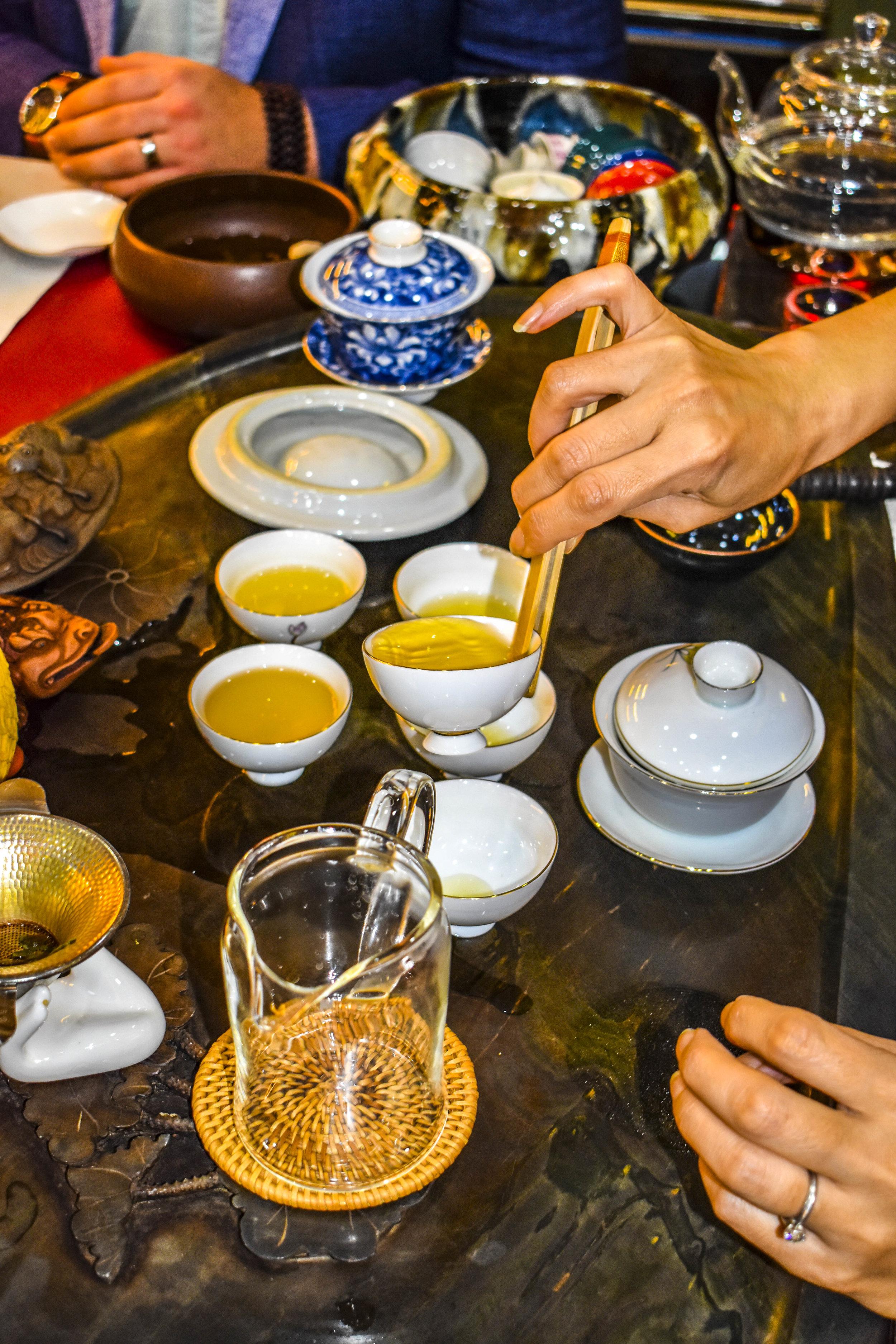tailor-made-shanghai-sightseeing-tour-tea-tasting.jpg