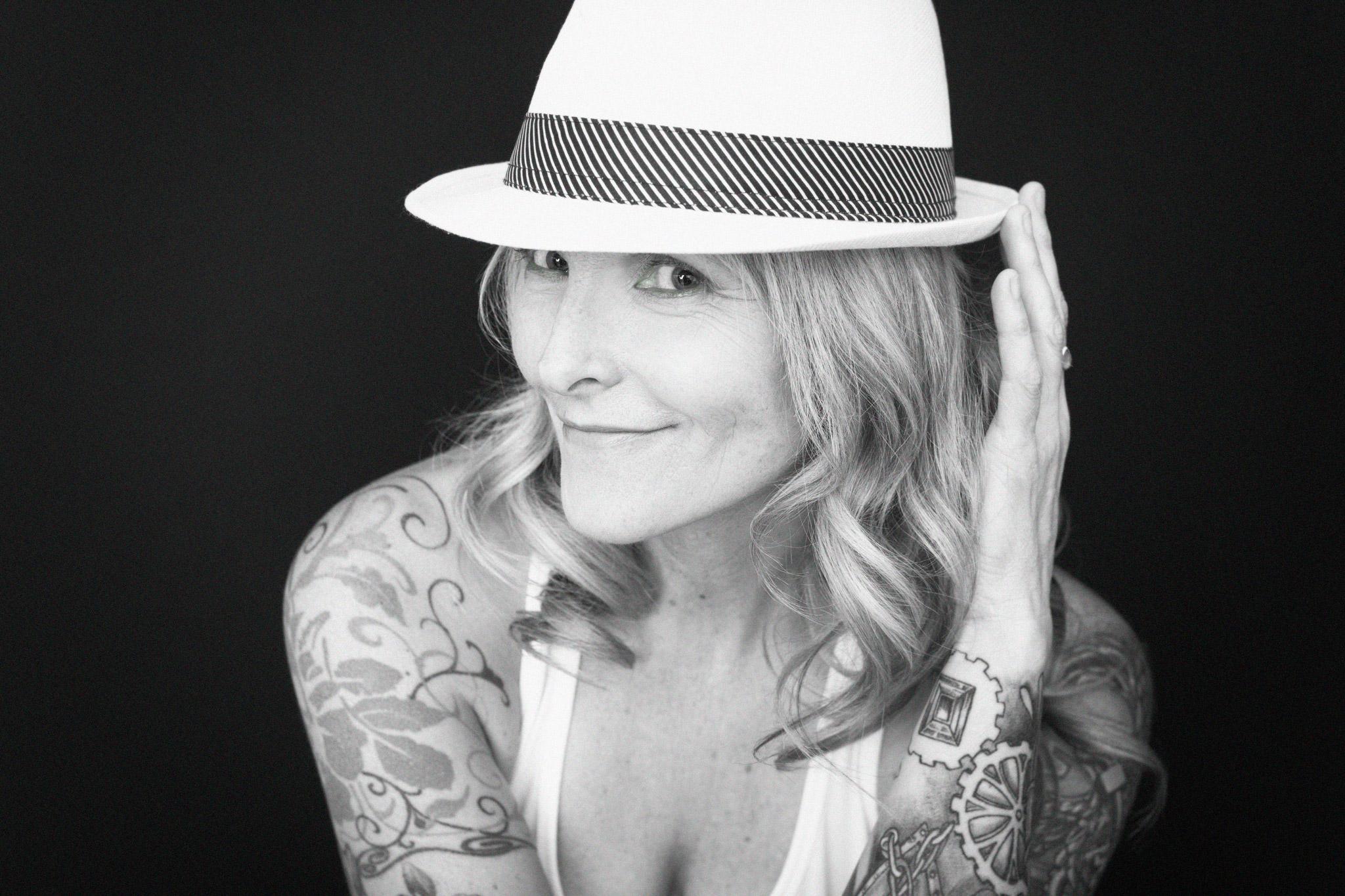 Vancouver boudoir portrait black and white by Laura Shortt Photography.jpg