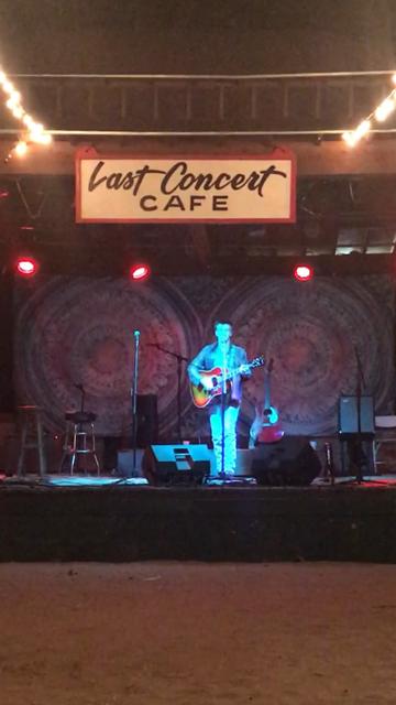 last concert cafe -