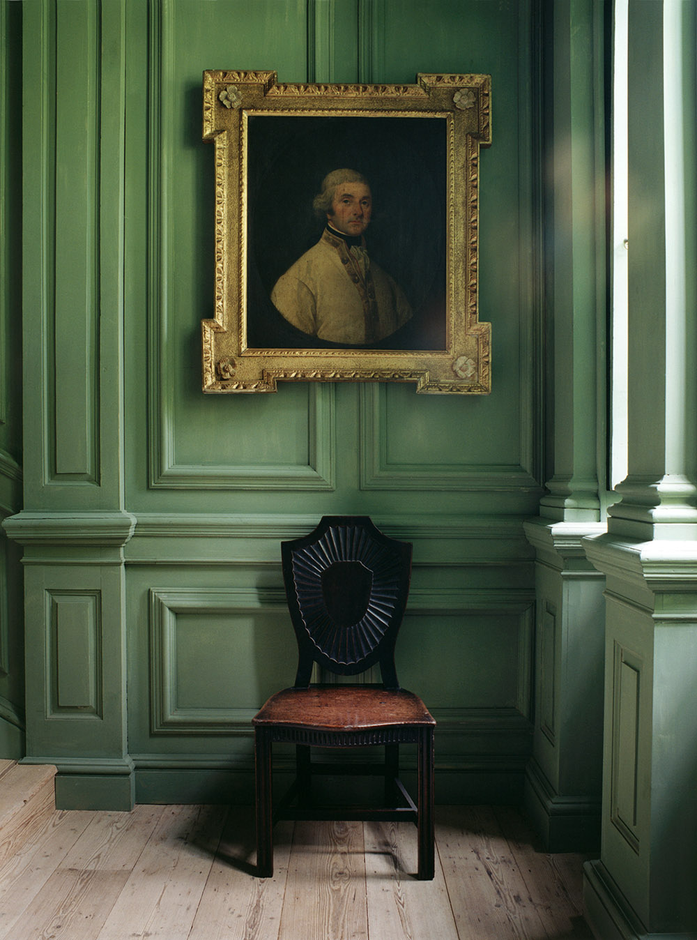 painting and chair•world of interiors