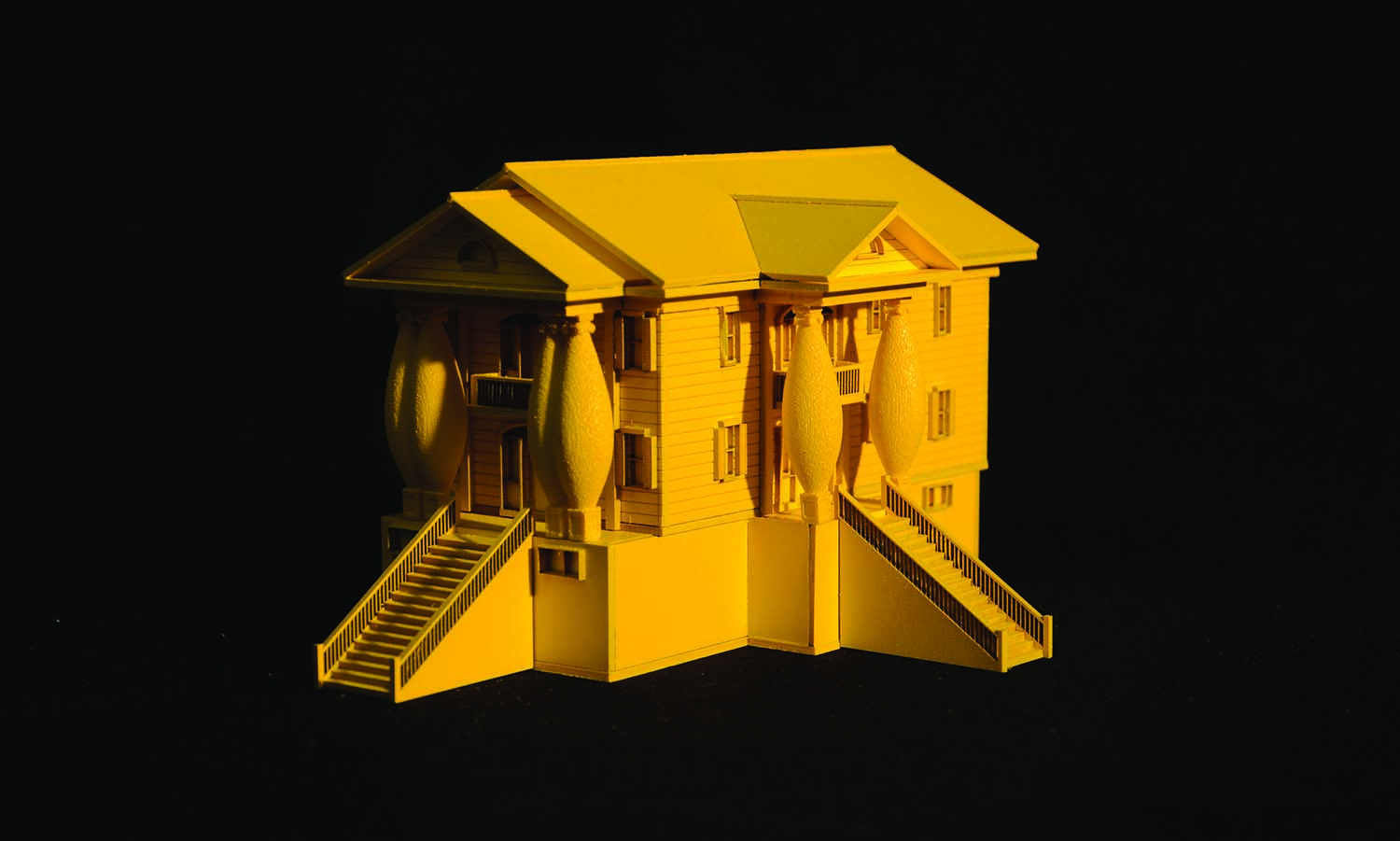 COM1_House Model_yellow.jpg