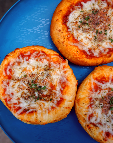 Vegan mini pizzas.