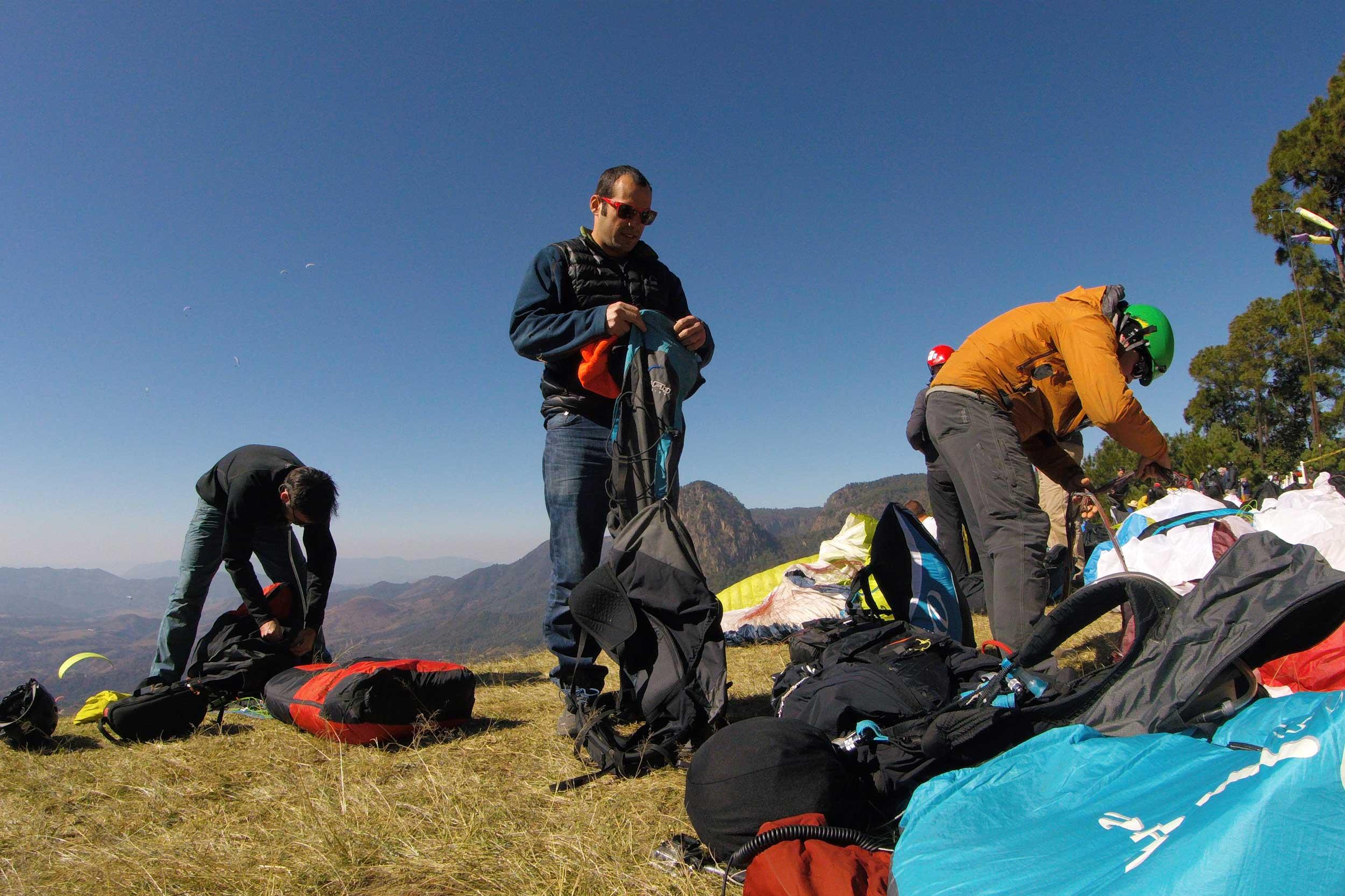Paraglide-New-England-Trips-Valle-de-Bravo-Mexico-Gallery-Calef-Prep.jpg