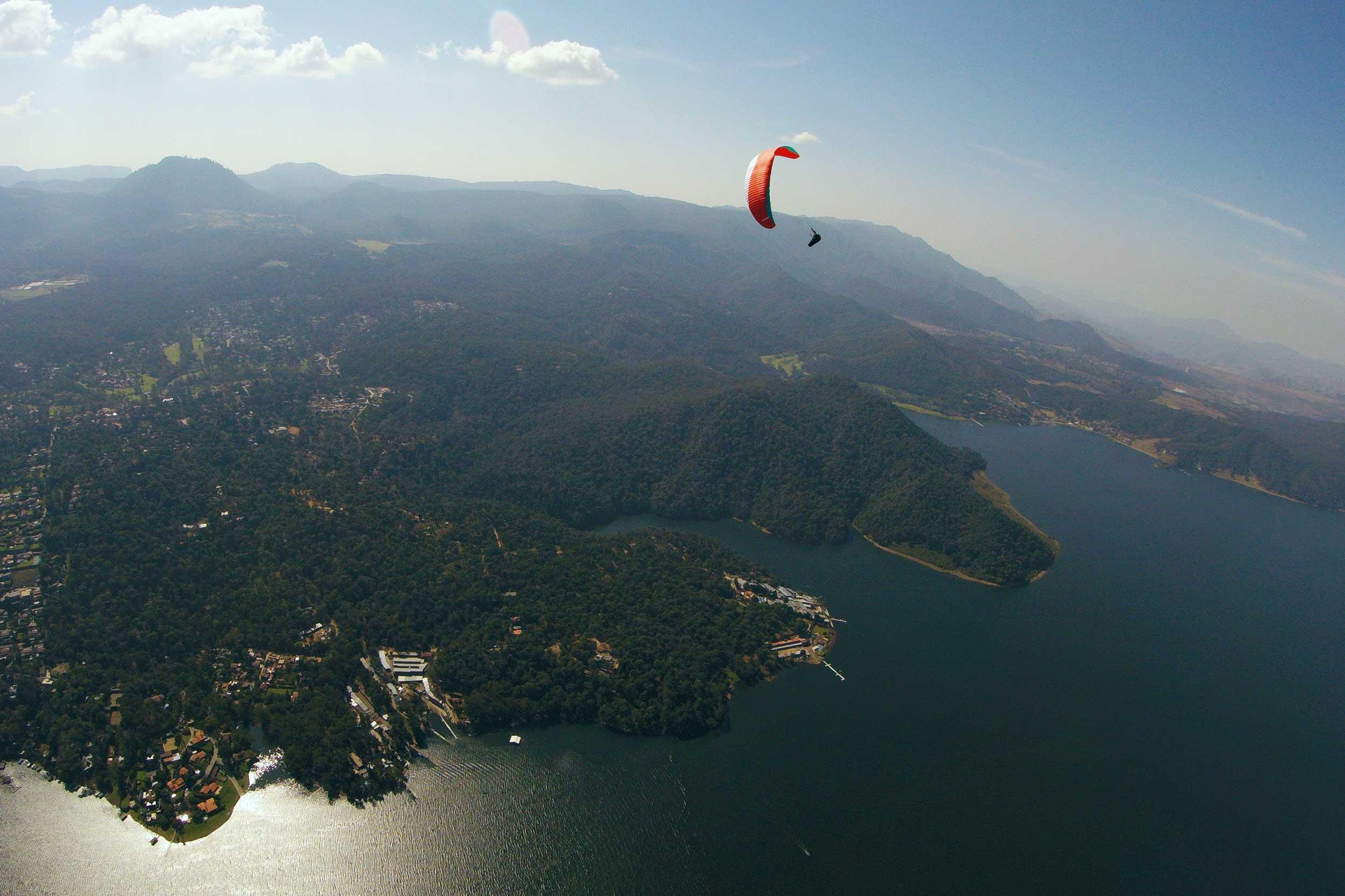 Paraglide-New-England-Trips-Valle-de-Bravo-Mexico-Gallery-Calef-Spiral.jpg