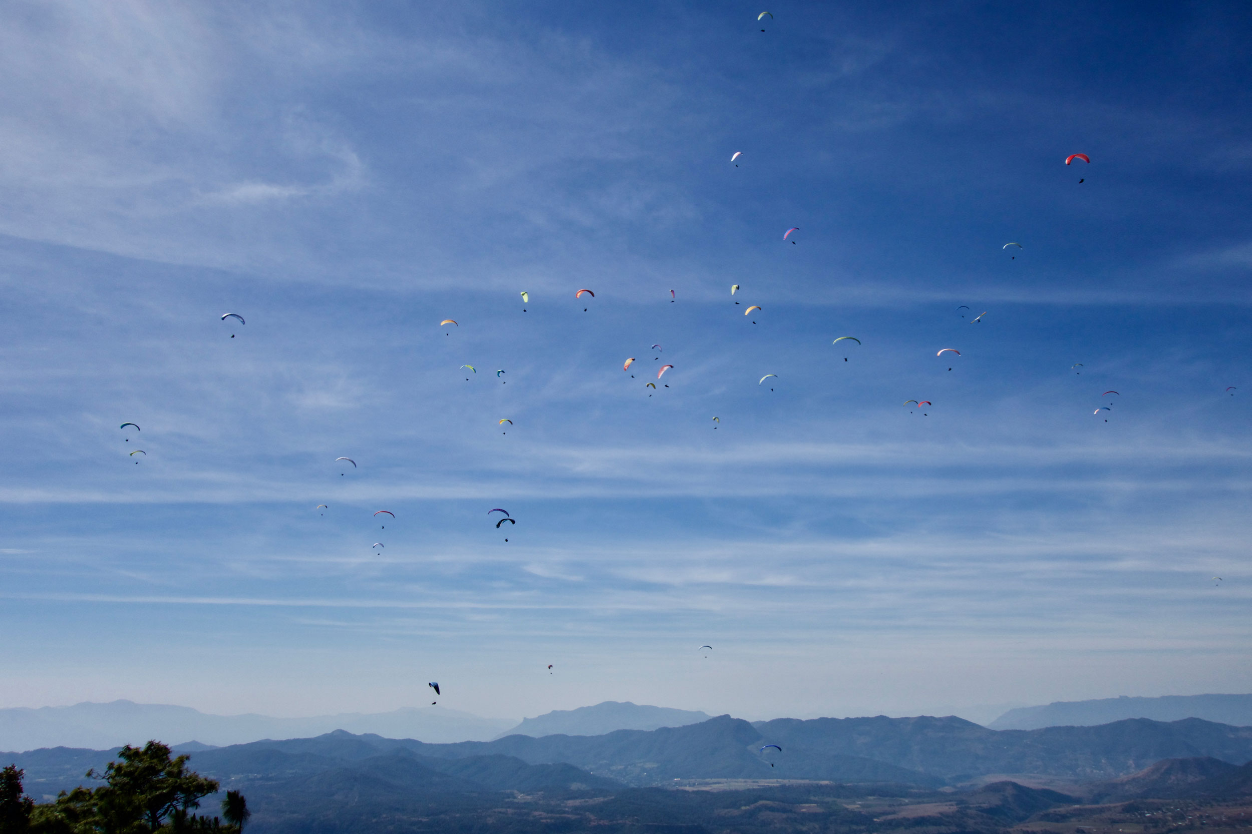 Paraglide-New-England-Trips-Valle-de-Bravo-Mexico-Gallery-House-Gaggle.jpg