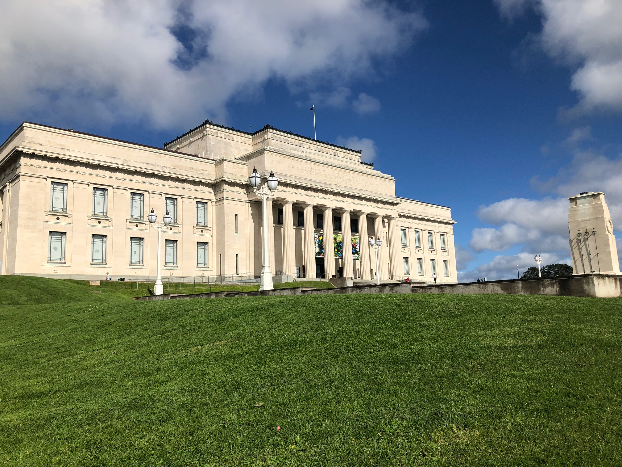 The Auckland War Memorial Museum overlooks the Auckland Domain.