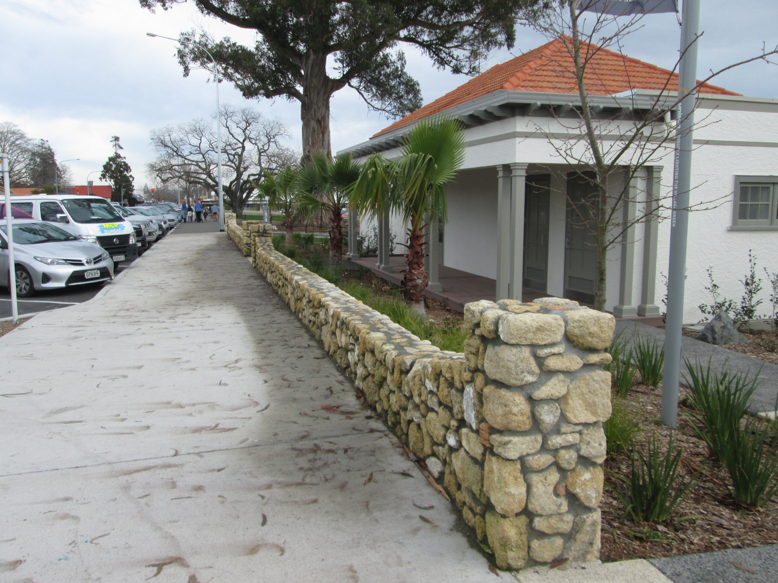 Local limestone has been used in rock walls, steps and bespoke furniture.