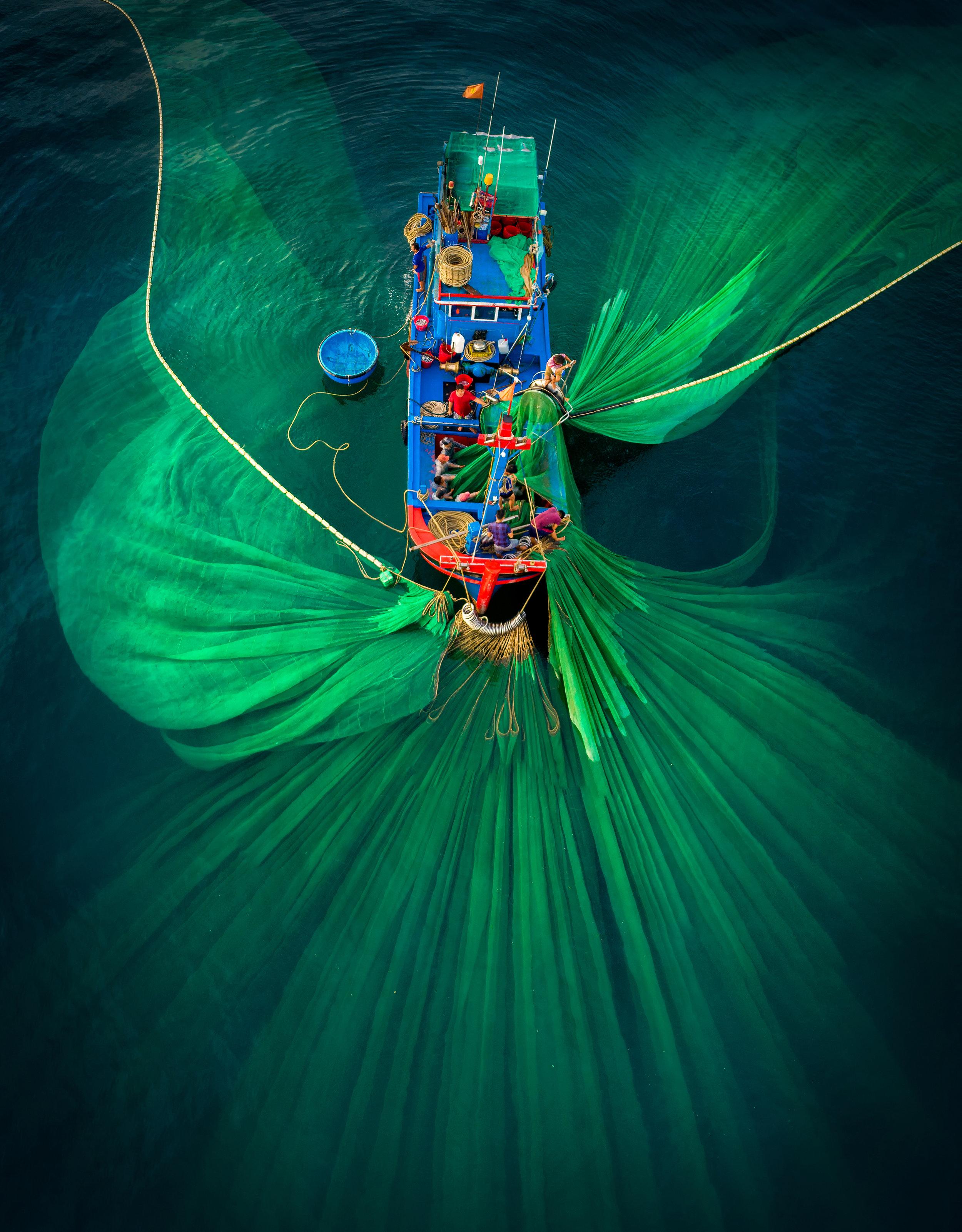 Sea fishing in Vietnam. Photo credit: Phan Nguyen/AGORA images