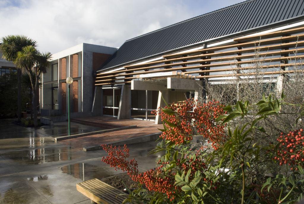 New Building – 2009, courtesy of David Hollander