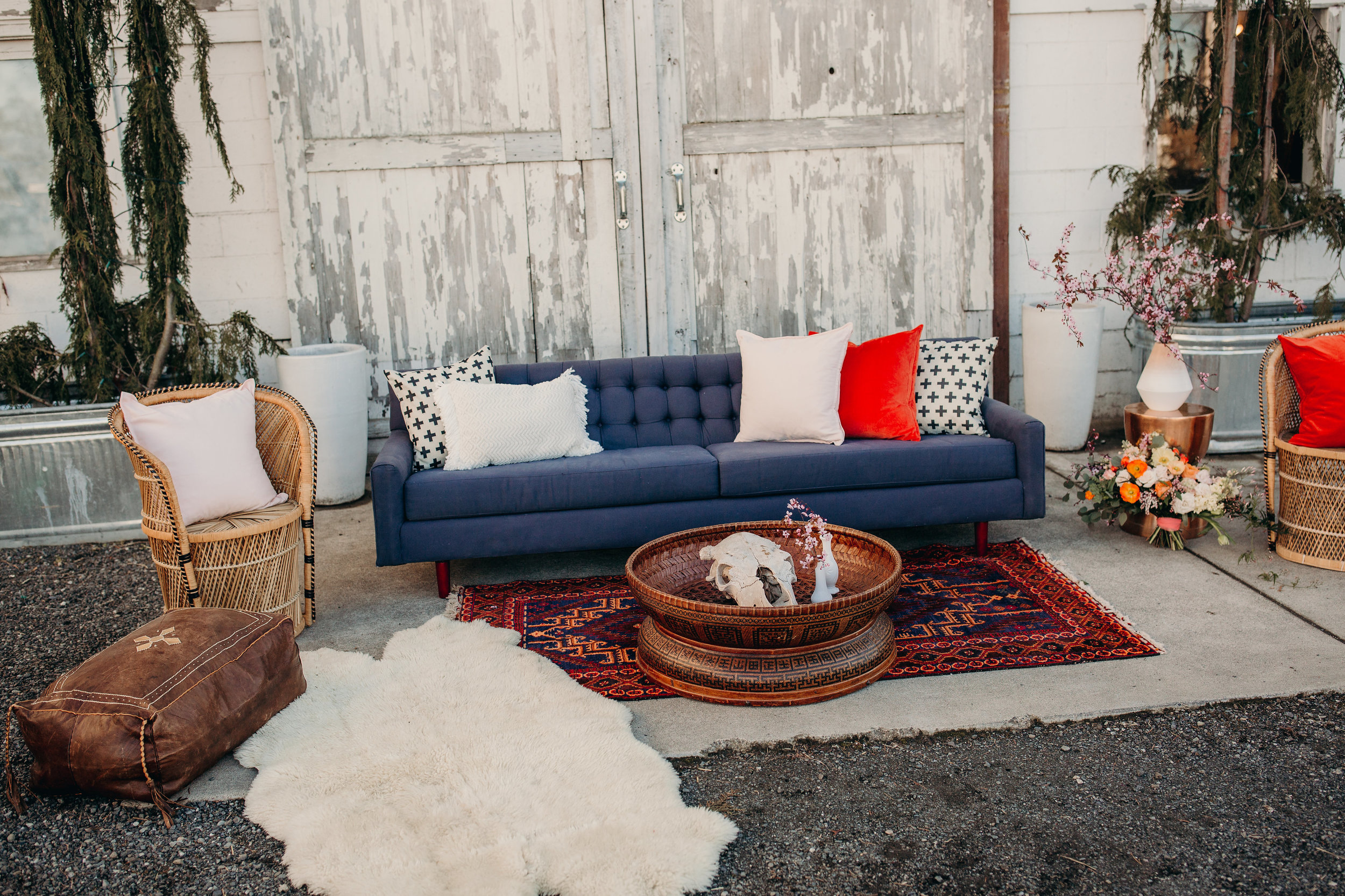 rentals from  WANDER EVENTS , STYLING by Rock & Stone