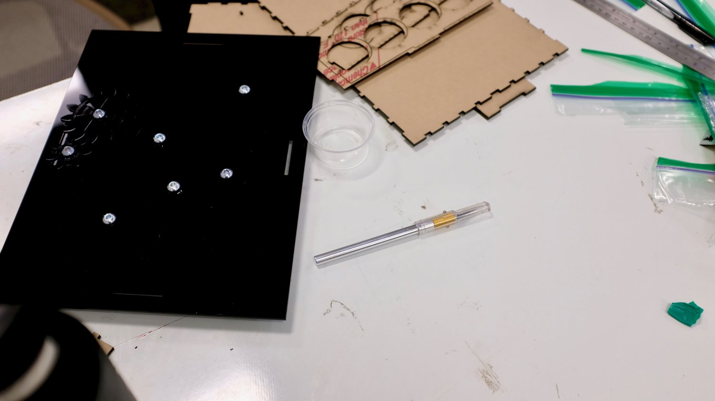Assembled top of box