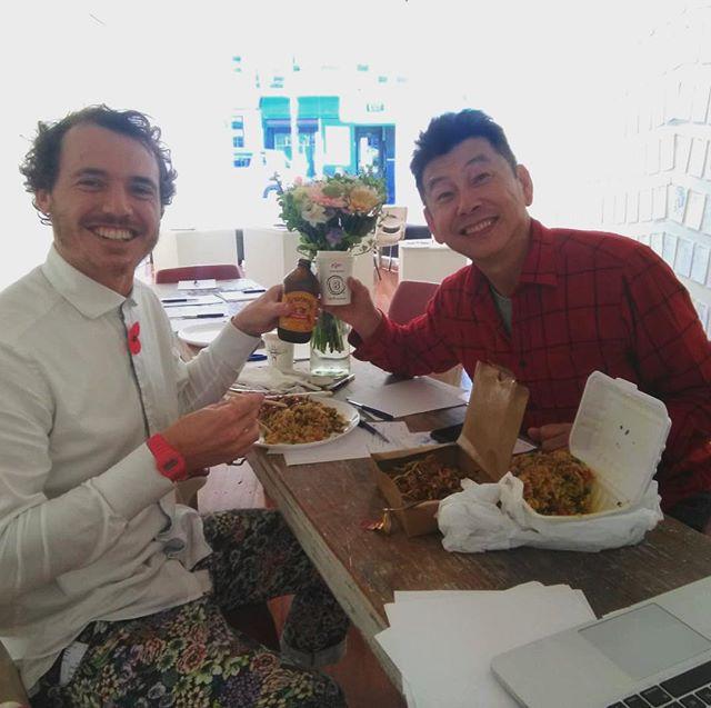 Meeting new friends and making connections. . . . . . . . @weheartwellington #whywellington #wellingtonlive #sharemeWLG #urbanexplorer #ourwellington #WCC #lovewelly #instawalk #instalandscape #wellington #wellingtonnz #wellington🇳🇿 #newzealand #nz #nz🇳🇿 #sharemewellington #welly #tourism_NZ #sharemewlg  #wellingtoncity #wellingtonharbour  #wellywood  #art #nzart #wellingtonart #wellingtonartist #artistsoninstagram #artinspiration