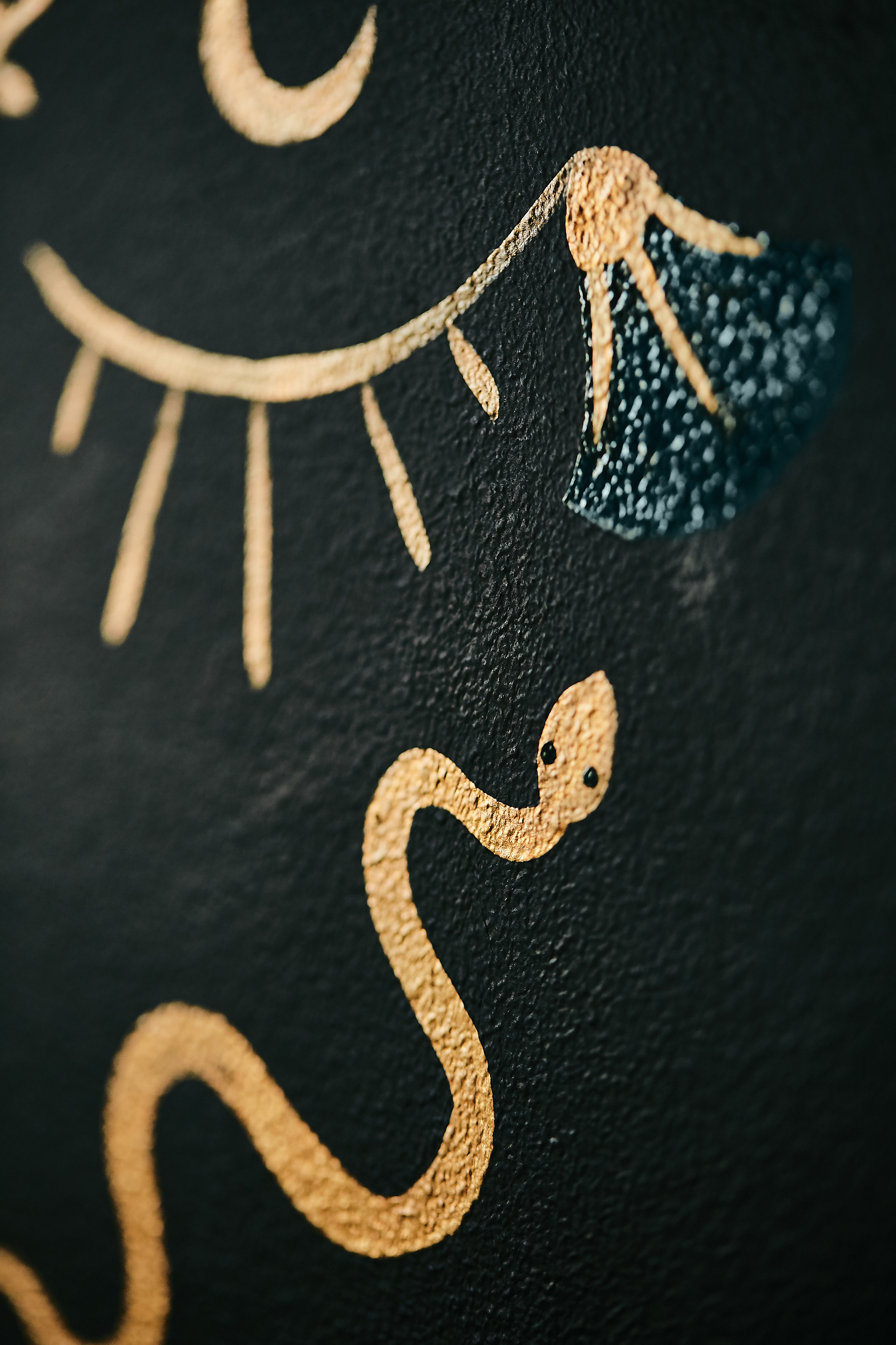 hand painted wallpaper close up.jpg