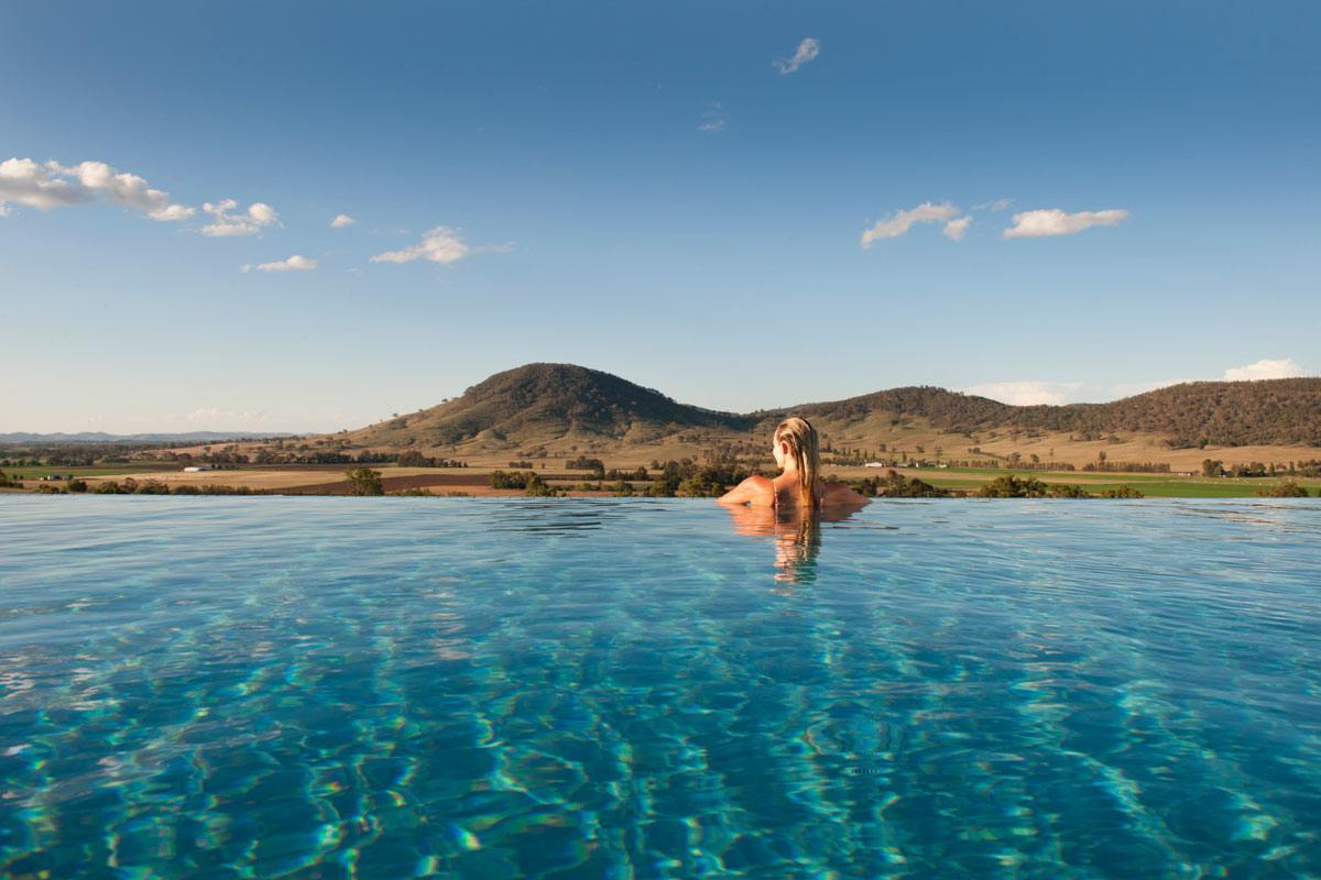 Horizon Mudgee - 5 Star Luxury Horizon Mudgee 2 or 4 nights accommodation, return flights. Group accommodation.ex Sydney or TareeStarting from $529 per person based on a group of 8★★★★★