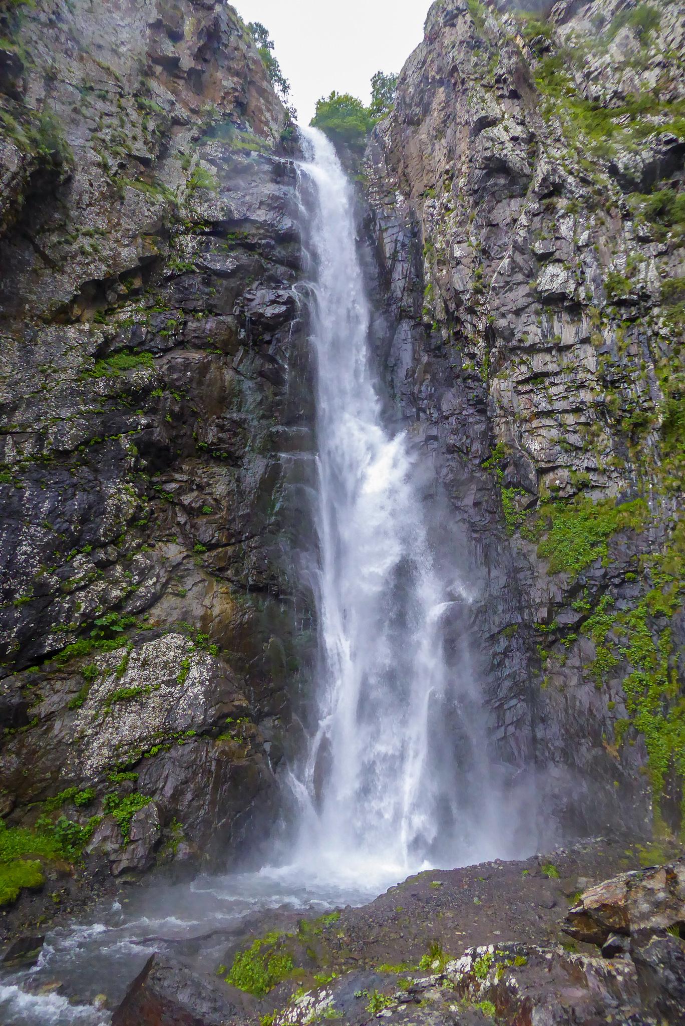 The more impressive Big Waterfall