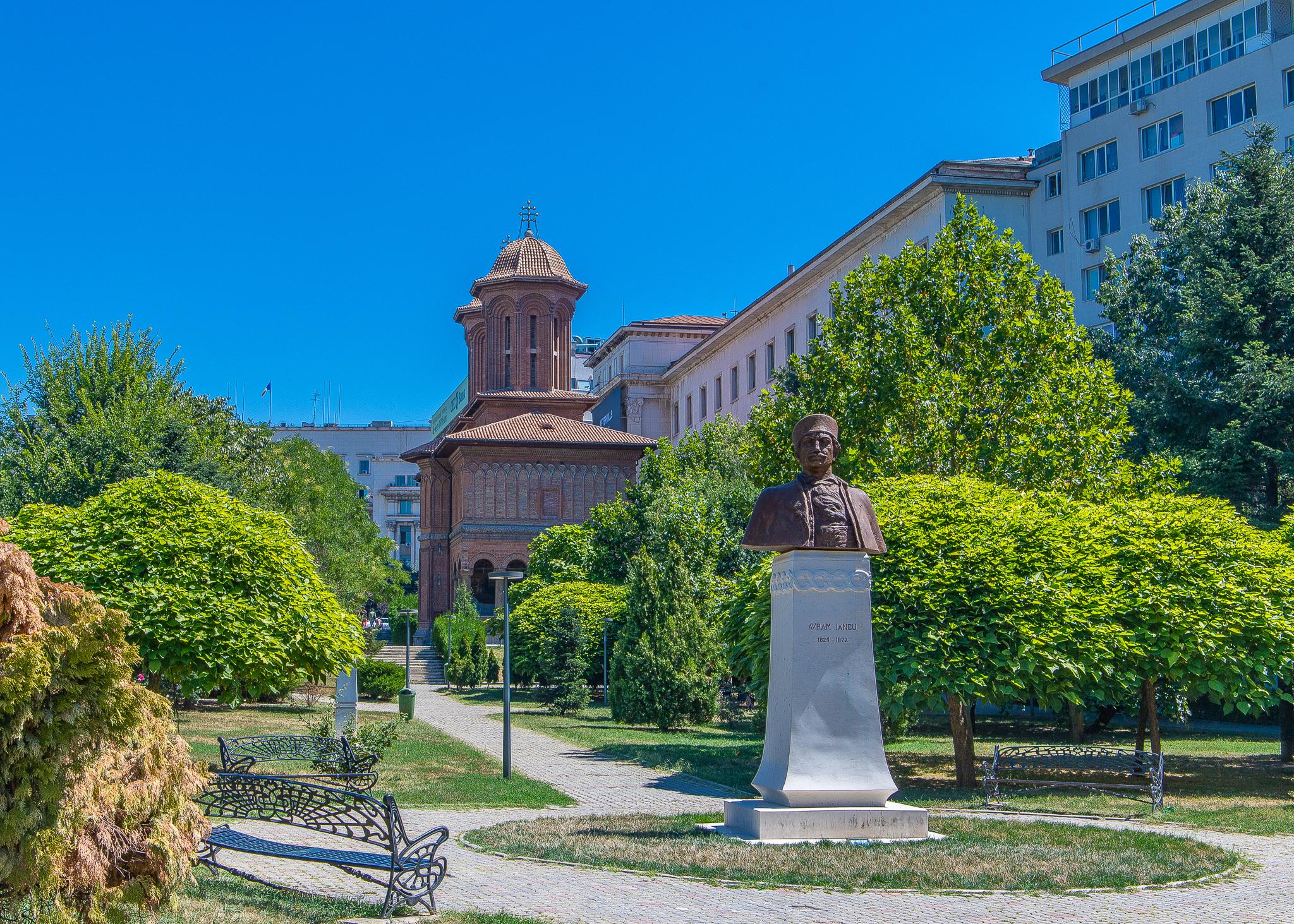 Statue of lawyer and miltiary hero Avram Iancu in front of the Kretzulescu Church