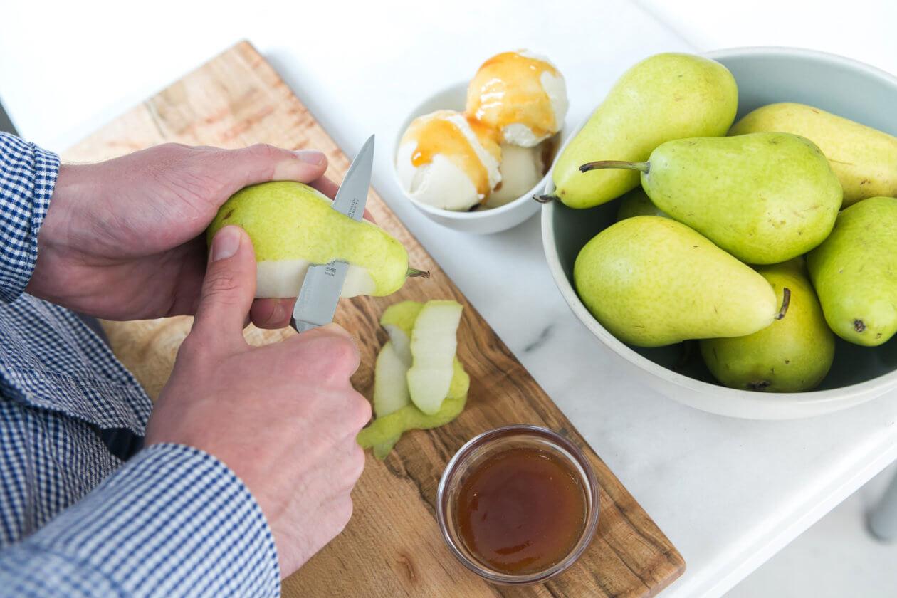Smitten-Ice-Cream-Creme-Fraiche-with-Pear-Caramel-3-1260x840.jpg