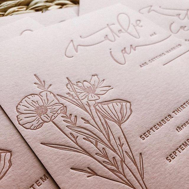 New hubs and new last name droppin' September 14th ✨ #ohfudgeya • • • • • • #letterpress #tonal #savethedates #bohobride #bohoinvites #dustyrose #tonalletterpress #calligraphy