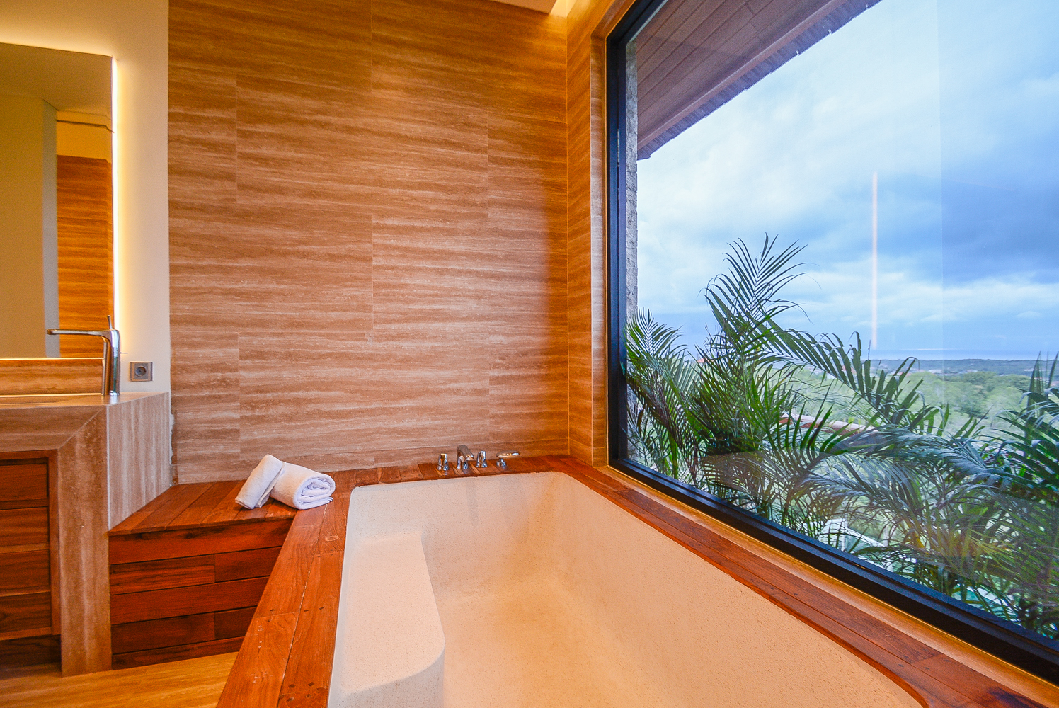 4 bedroom villa bathroom