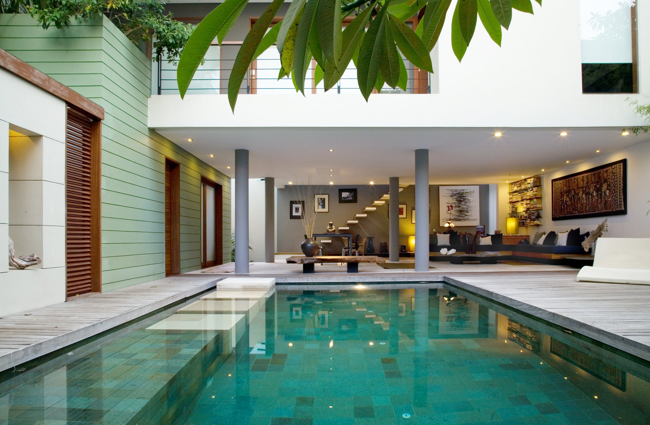 With its unique contemporary design, this 2-bedroom villa is a gem !