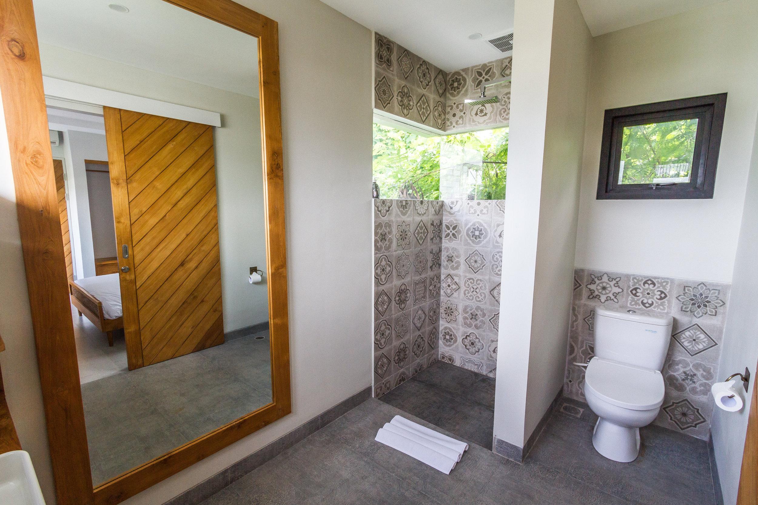 2 bedroom villa with bathroom