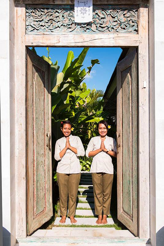 check-in-out-management-villas