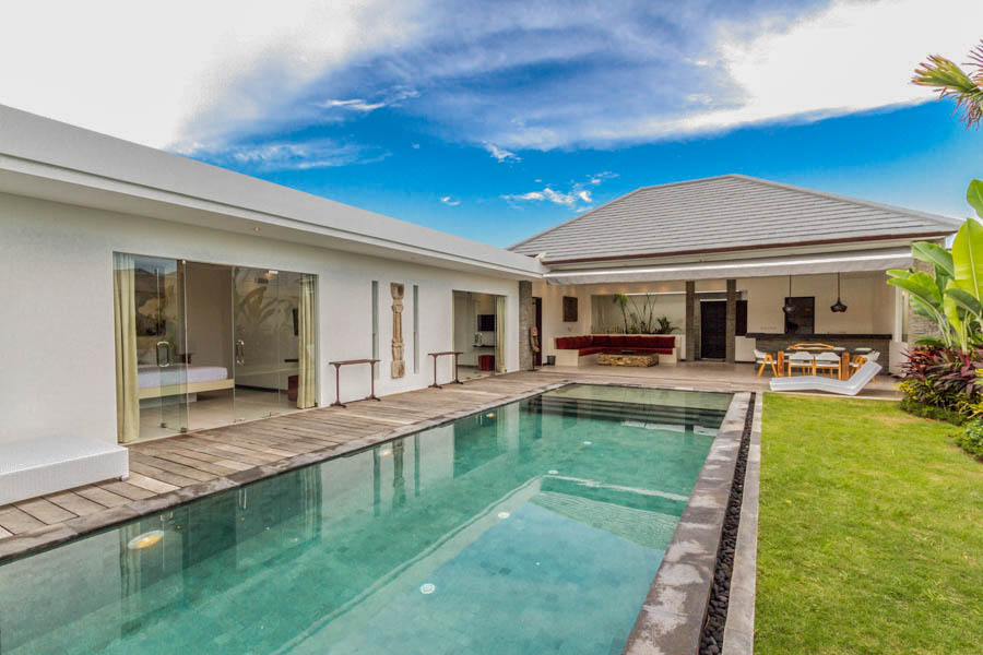 A modern 3 bedrooms villa in the heart of Seminyak.