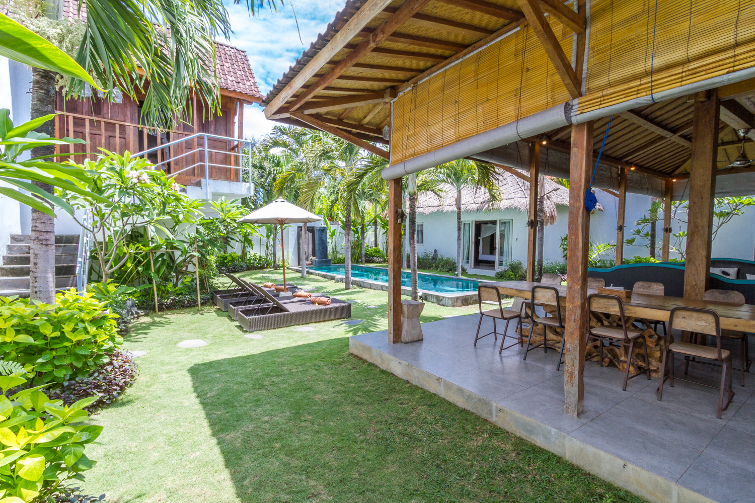 Beautiful and charming huge 4 bedrooms with a jacuzzi villa in the heart of Seminyak.